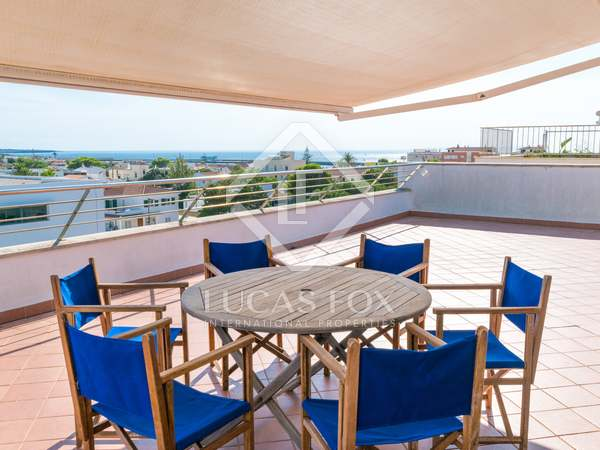 100m² Penthouse with 250m² terrace for sale in Ciudadela