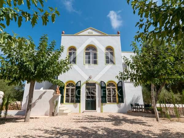 182m² House / Villa for sale in Ciudadela, Menorca