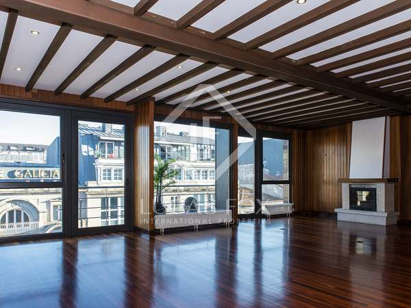 200m² Apartment with 35m² terrace for rent in Vigo, Galicia