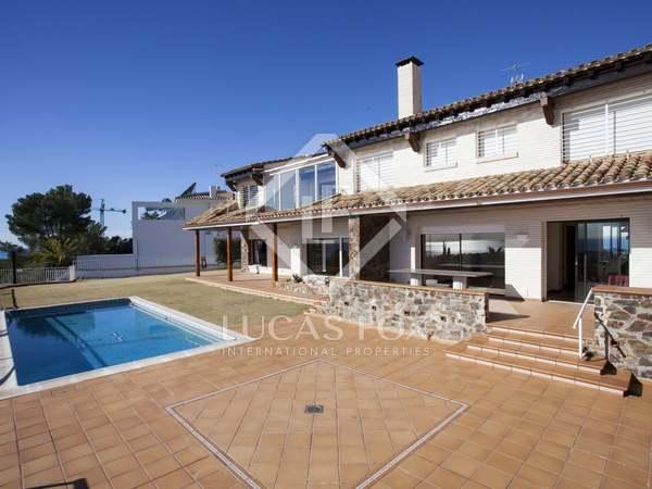 Villa de 6 dormitorios con piscina en venta en Vallpineda