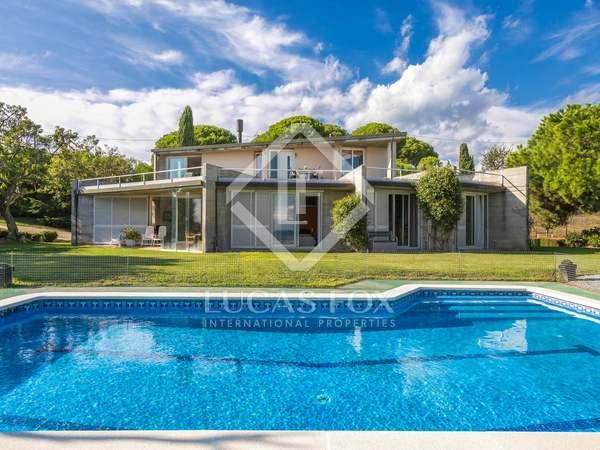 Huis / Villa van 472m² te koop in Mataro, Maresme