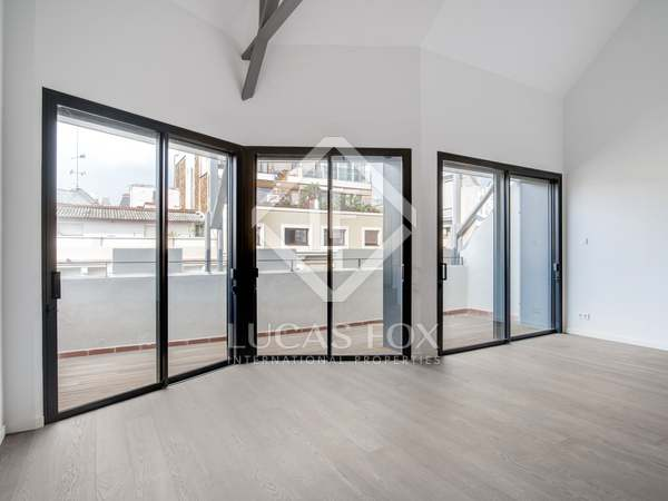 181m² Penthouse with 9m² terrace for sale in Eixample Right