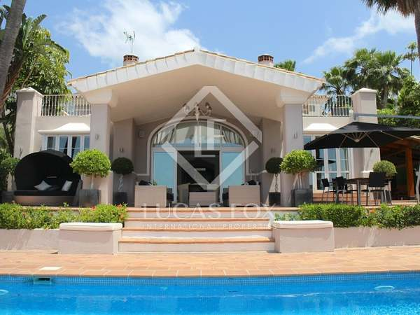 610m² House / Villa with 1,200m² garden for sale in Golden Mile