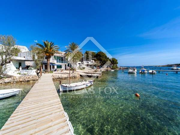 100m² House / Villa for sale in Mercadal, Menorca