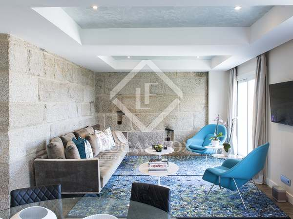 213m² Apartment with 15m² terrace for sale in Vigo, Galicia