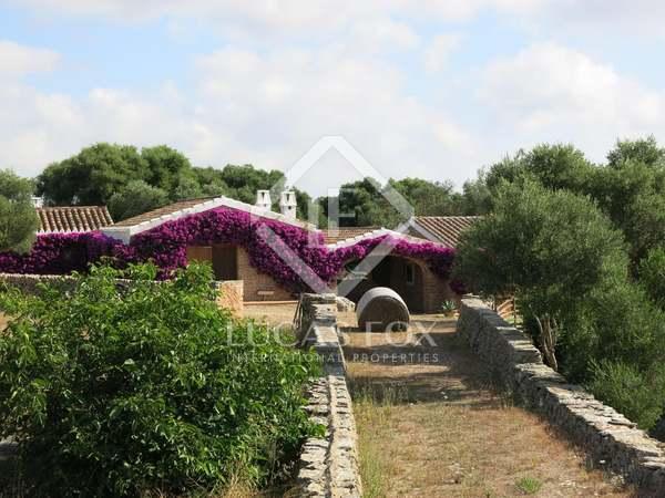 Masia de 1,450m² en venda a Mercadal, Menorca