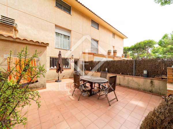 275m² House / Villa with 48m² terrace for sale in Gavà Mar