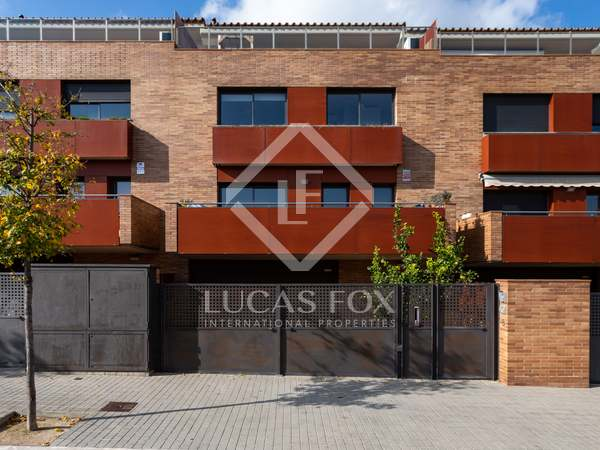 Modern townhouse for sale in Alella on the Maresme Coast