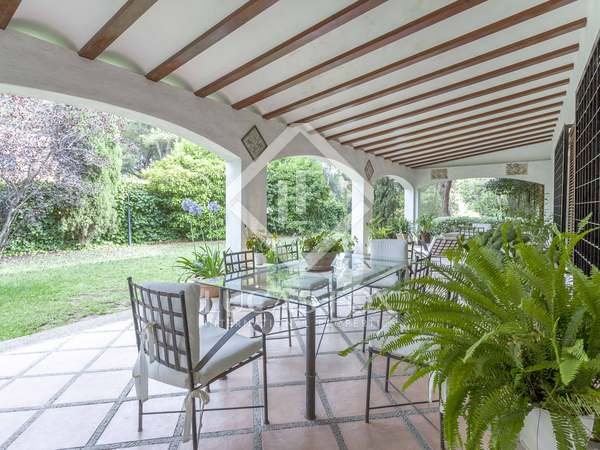 406m² House / Villa for rent in Godella / Rocafort