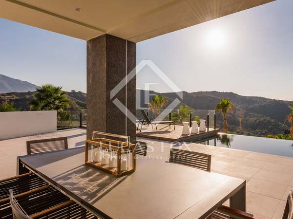 Villa de 629m² en venta en Nueva Andalucía