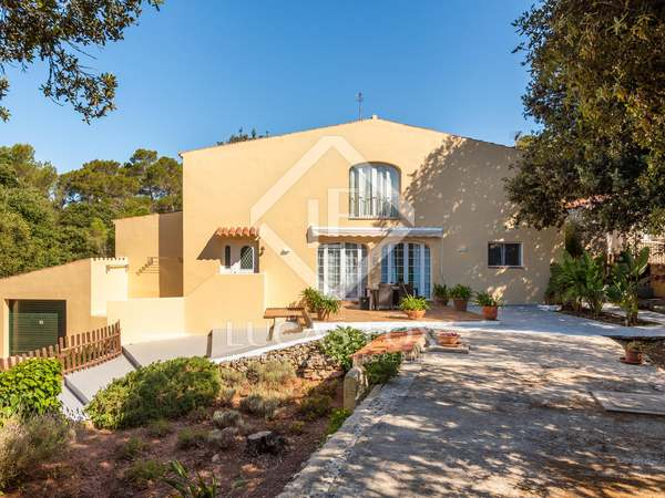 360 m² villa for sale in Mercadal, Menorca