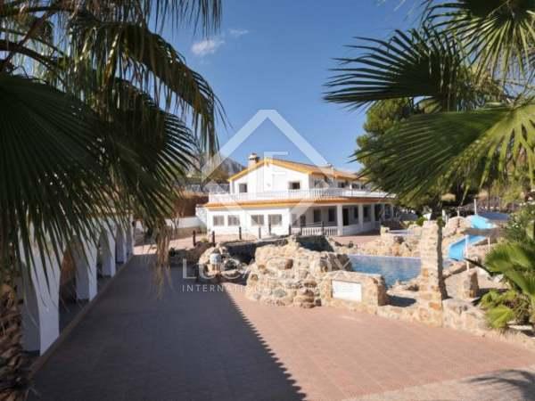 Casa di campagna di 1,800m² in vendita a Malaga, Andalucía