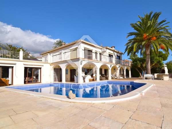 Huis / Villa van 471m² te koop met 170m² terras in Sierra Blanca / Nagüeles