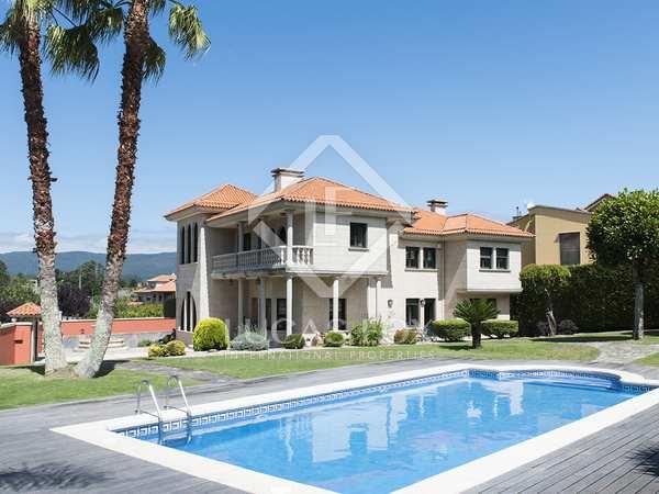 617m² Haus / Villa zum Verkauf in Pontevedra, Galicia