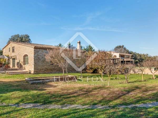 Masía de 561m² en venta en Baix Empordà, Gerona