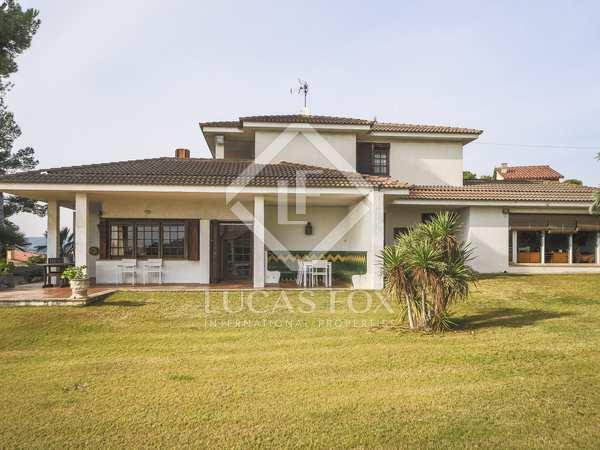 273m² Equestrian Property for sale in Calafell, Tarragona