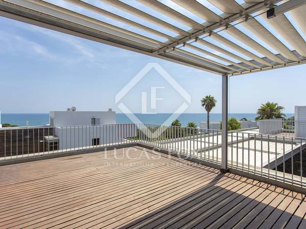 Appartement van 131m² te koop met 159m² terras in Els Cards
