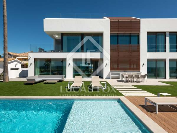 455m² House / Villa with 221m² terrace for sale in New Golden Mile