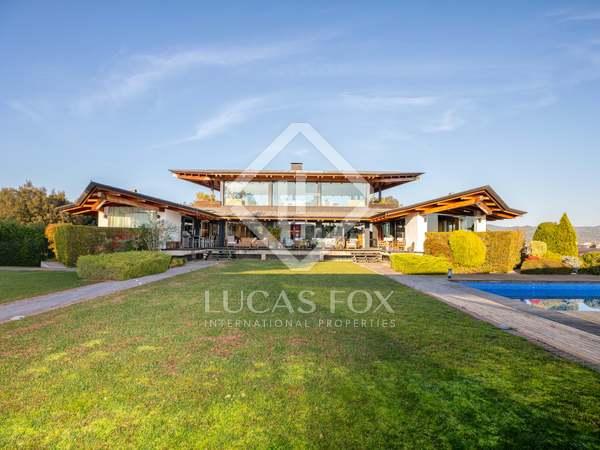 975m² House / Villa for sale in Girona Center, Girona