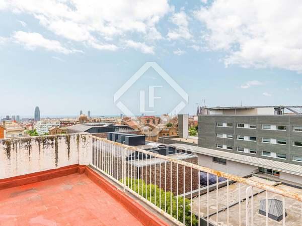 Ático de 67 m² con 100 m² de terraza en venta en Gràcia