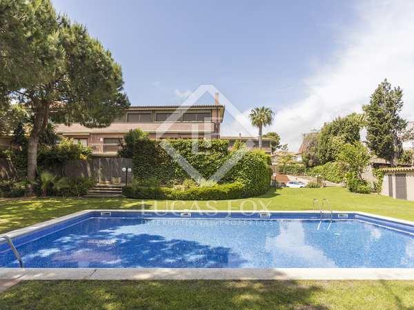 200m² House / Villa with 73m² garden for sale in Terramar