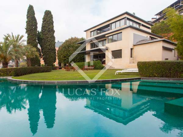 744 m² house with a garden for rent in Sarrià