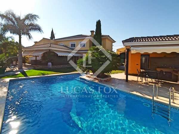 421m² House / Villa for sale in Alicante ciudad, Alicante