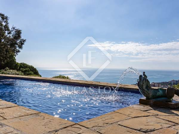 302m² House / Villa with 3,660m² garden for sale in Caldes d'Estrac