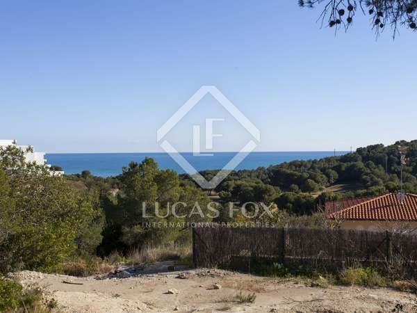 Parcel·la de 1,245m² en venda a Terramar, Sitges