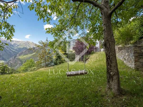 Casa renovado en venta en Sant Julià de Lòria, Andorra