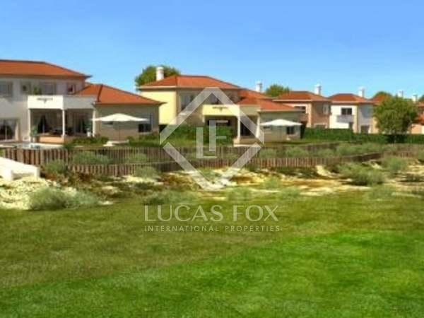 3-bedroom Silver Coast golf villa for sale