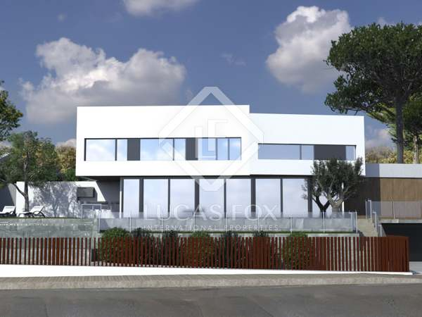 267m² House / Villa with 481m² garden for sale in Arenys de Mar