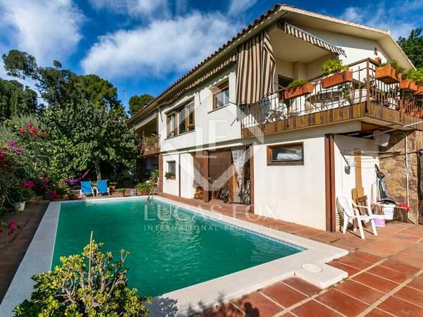 Maison / Villa de 523m² a vendre à Mataro, Barcelona