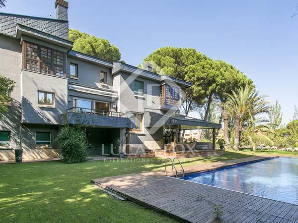Fantastic 736 m² villa for rent in Sant Cugat, Barcelona