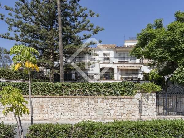 Huis / Villa van 577m² te koop met 650m² Tuin in East Málaga