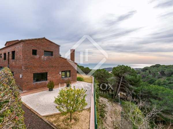 367m² House / Villa for sale in Sant Vicenç de Montalt