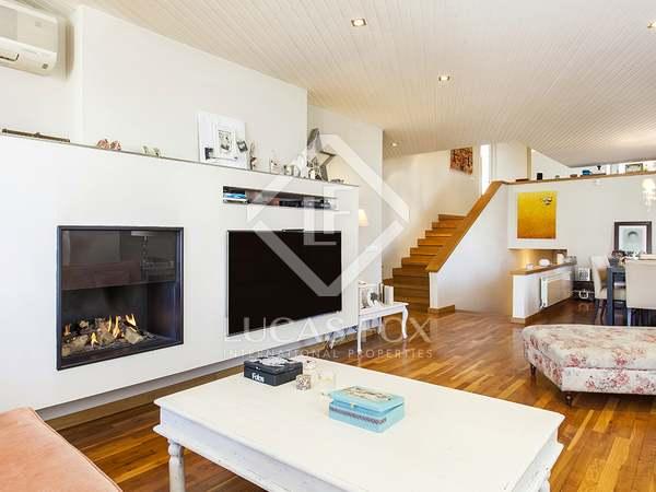 Soleado apartamento tríplex en venta en la calle Ganduxer, en Turó Park