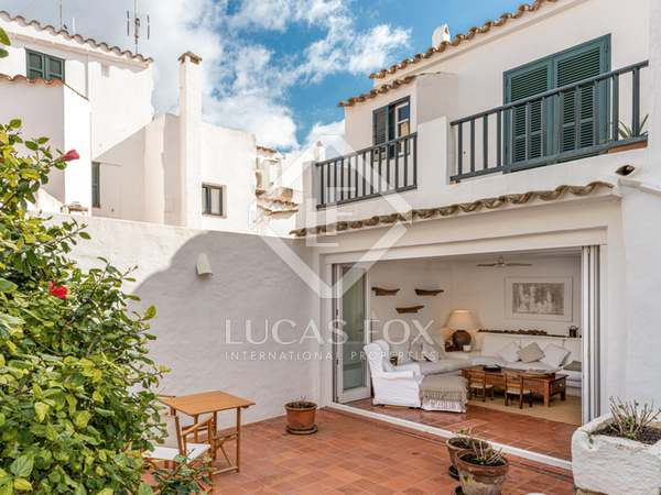 181m² House / Villa with 50m² garden for sale in Ciudadela