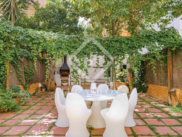 189m² House / Villa with 85m² garden for sale in Gràcia