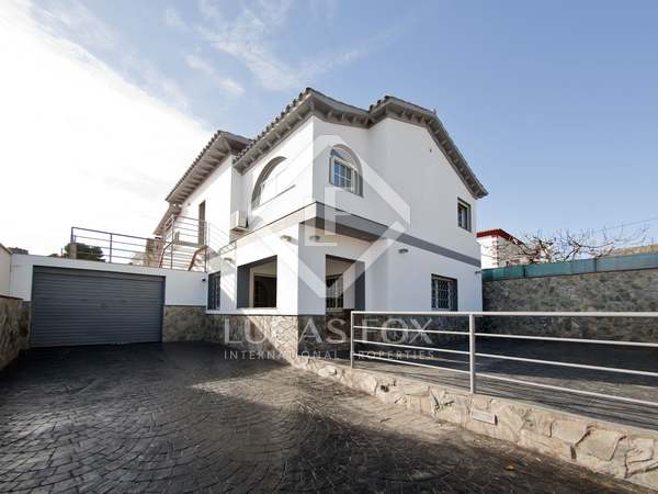 240m² house for sale in Castelldefels, Barcelona