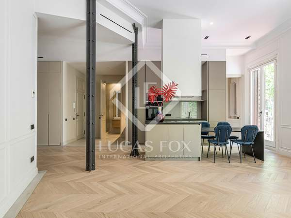 113m² Apartment with 20m² terrace for sale in Eixample Right
