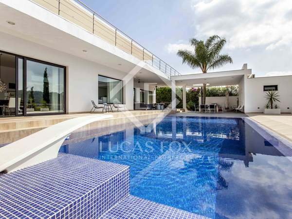 Casa de 633m² con 480m² de terrazas en venta en El Bosque