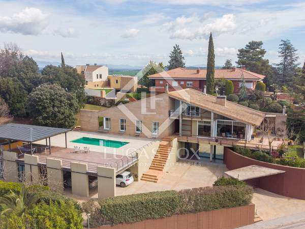 824m² Country house for sale in Pla de l'Estany, Girona