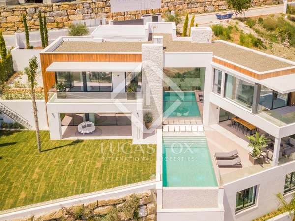 369m² House / Villa with 124m² terrace for sale in Benahavís
