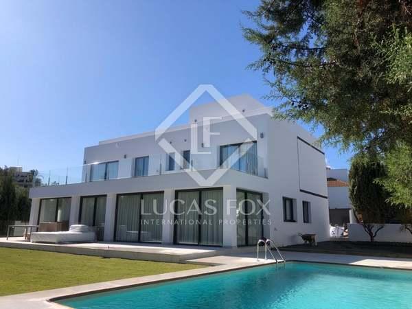 Huis / Villa van 359m² te koop in Nueva Andalucía