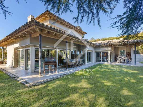 Moderna villa de lujo en venta en el centro de Vallromanes