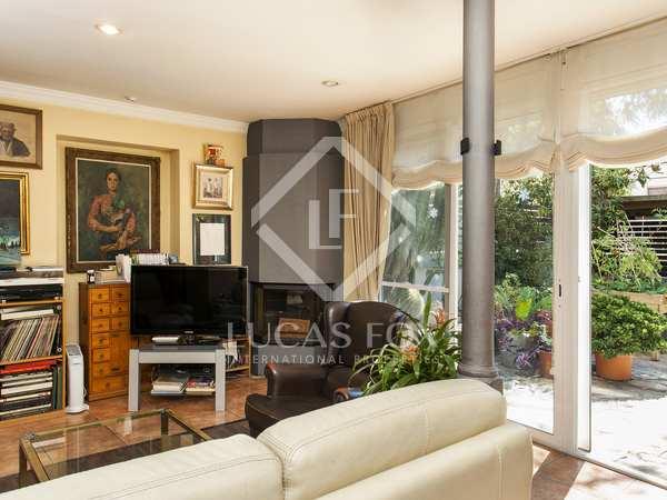 Dúplex de 5 dormitorios con jardín en venta en Sarrià