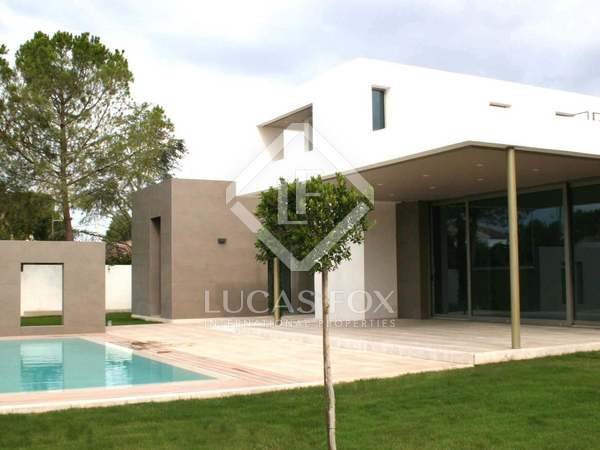 Minimalist designer villa to buy in La Eliana, Valencia