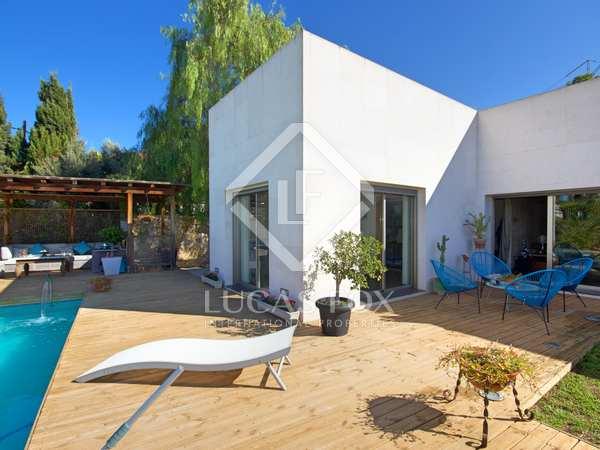 350m² House / Villa for sale in Cabo de las Huertas