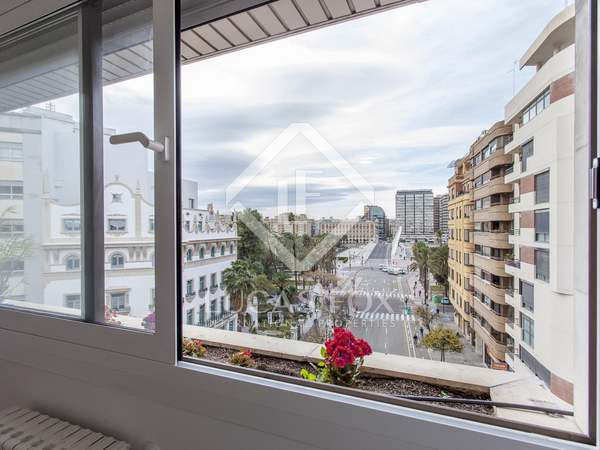200m² Apartment with 25m² terrace for rent in El Pla del Real